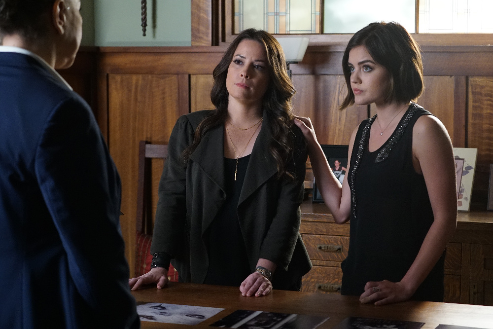 Combs & Hale in Pretty Little Liars | The CW